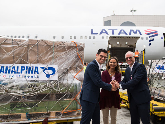 LATAM Cargo and Panalpina team_opt (1)