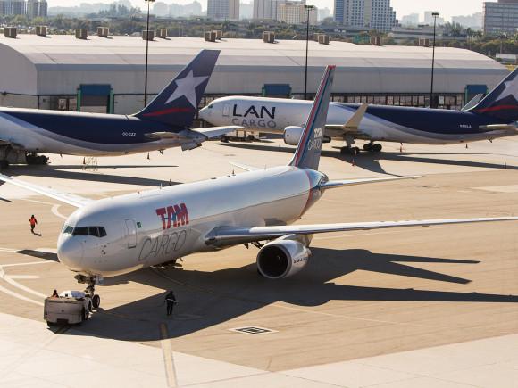 TAM Cargo - aviones