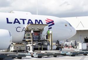 foto en baja LATAM Cargo perishable-min