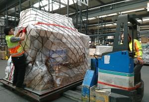 Fotos embarque ayuda humanitaria FRA-LIM